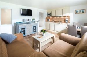 Haus Seewind Wohnraum mitintegrierte Küchenzeile